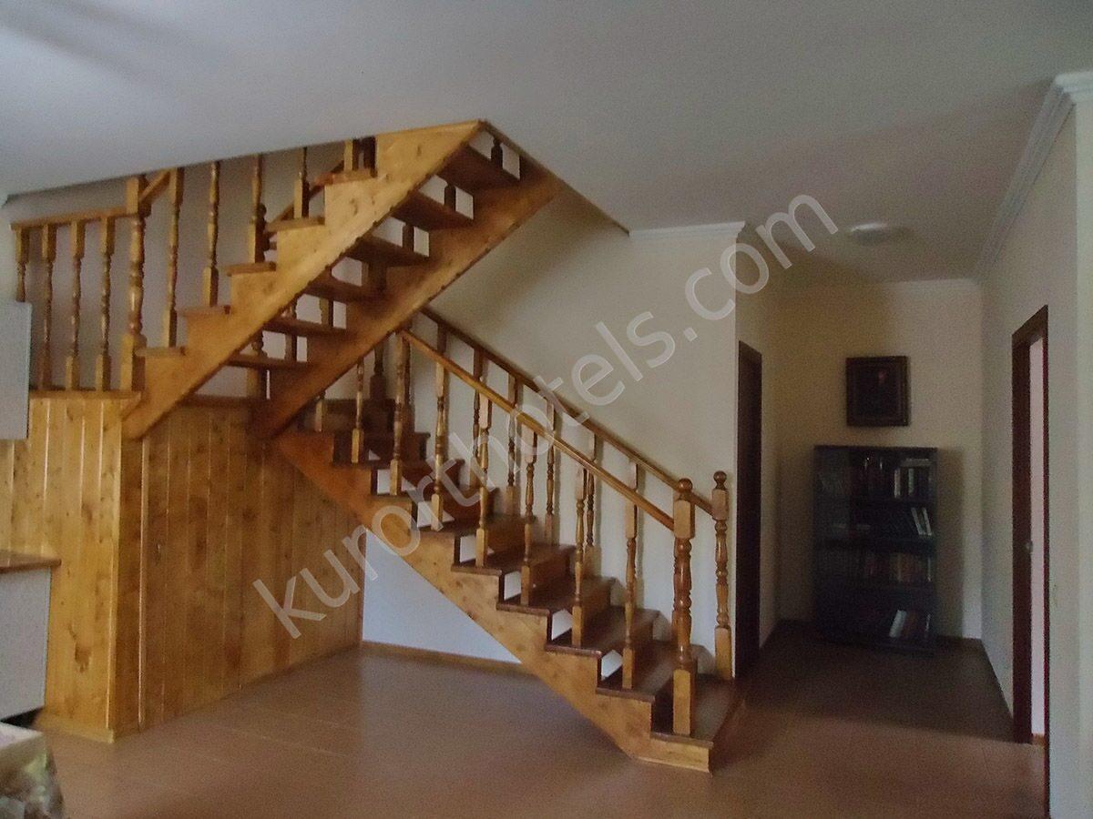Посоветуйте, как лучше сделать лестницу на второй 82
